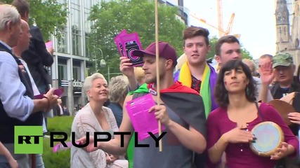 Germany: Israeli representative heckled by pro-Palestine activists at CSD parade