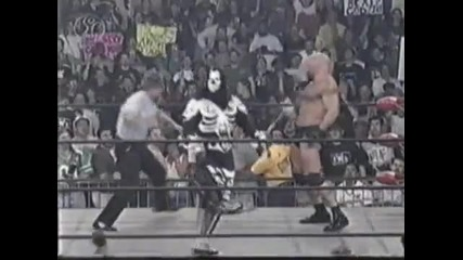 Bill Goldberg откача на ринга !