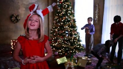 Дете пее прекрасно • Jackie Evancho - The First Noel