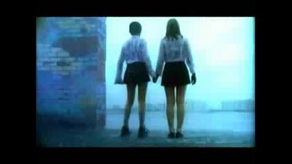 t.a.t.u. Ya Soshla S Uma - Remix