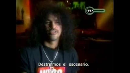 Guns N Roses destroy the set