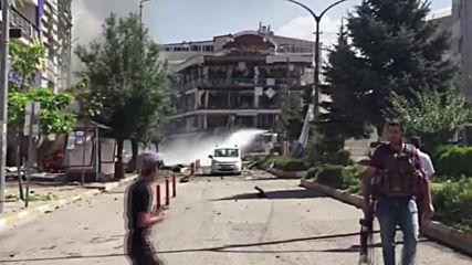 27 ранени след експлозия на кола бомба в турския град Ван