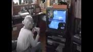 100 годишна баба геймърка