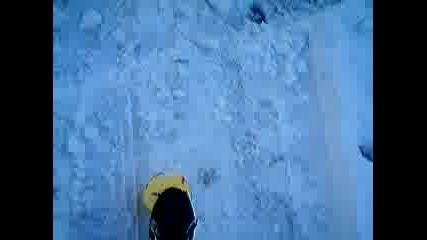 Стиви Играе В Снега