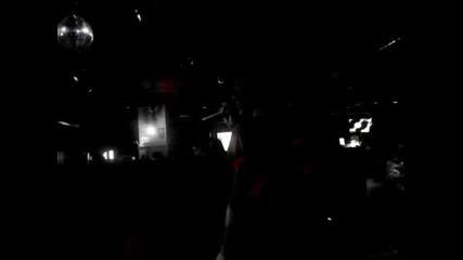 Jeason Brad Lewis Пее в Olives Плевен