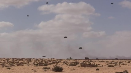 Egypt: Russian paratroopers in action at 'Defenders of Friendship 2016' drills