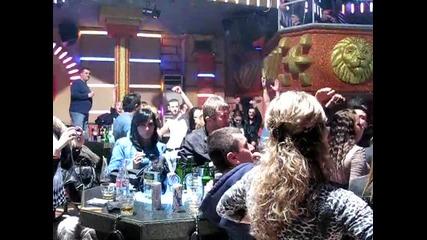 Константин в нощен клуб Арена град Лом