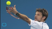Federer Eases Into French Quarters