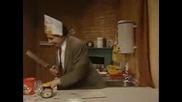 Mr. Bean в ресторанта и още хипер смешни кадри от храненето на Mr. Bean
