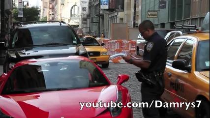 Шофьор на Ferrari 458 Italia се опитва да избяга от полицията!