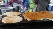 Бърза Храна на улицата .. Onion Uthapam & Masala Dosa - Road Side Foods In India - Mumbai