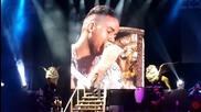 Превод! Romeo Santos - El malo (лошият) estadio Geba 2014 domingo 4 Live