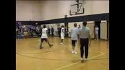 Обама Играе Баскет С Ученици