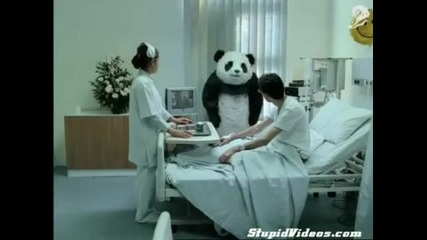 Мн смешна реклама - Никога не отказвай на панда (в болницата)