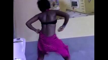 Nigerian girl sexiest dance