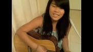 Момиче пее Dont Forget