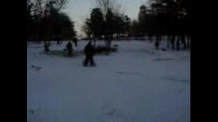 Марто С Bmx Снежен Скок В Парка