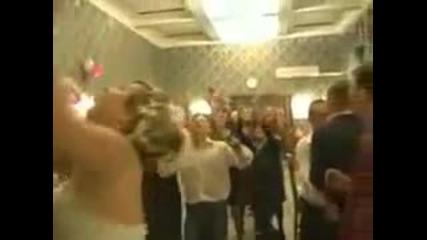 голям резил на руска сватба гледаи