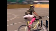 Ентусиасти в Швейцария играха поло с велосипеди