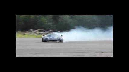 1025 конен звяр Koenigsegg agera