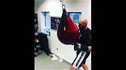 Тайсън Фюри изкърти боксовия чувал