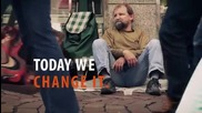 Студенти правят изненада на бездомник