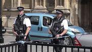 Тревога пред парламента във Великобритания заради подозрителен пакет
