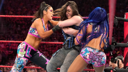 Alexa Bliss & Nikki Cross vs. Sasha Banks & Bayley: Raw, Sept. 16, 2019