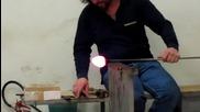 Изработване на конче от разтопено стъкло!