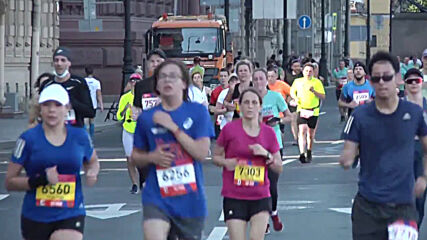 Russia: 'Northern Capital' half marathon kicks off with 5,000 runners in St Petersburg