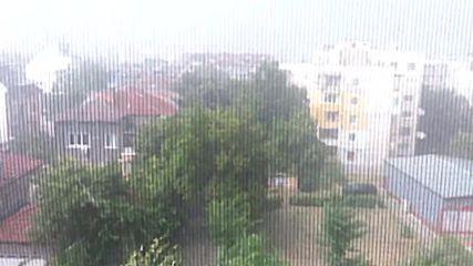 Кубчета лед по поръчка - Градушка в Пловдив - Hail Storm