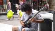 Най-талантливият уличен Мега-китарист. Изгледай до края!