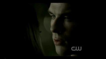 Дългоочакваната целувка на Деймън и Елена през 3 сезон на ' The Vampire Diaries '