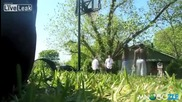 Двама мормони скриват топката на негра на баскет