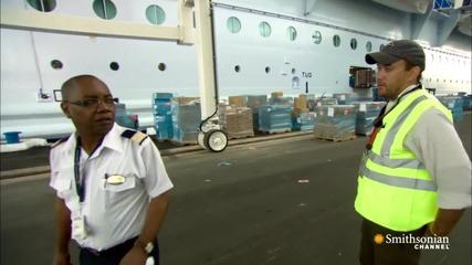 Оазис на моретата: Най големия круизен кораб в света !
