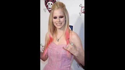 Avril Lavigne - Girlfriend (pics)