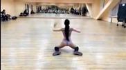 Секси рускинче денси яко с дупенце Twerk dance booty