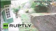 Смъртоносното земетресение в Непал през охранителна камера