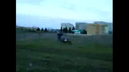 Yamaha Yz400f Опит за скок