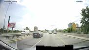Цариградско шосе , София. Бус лентата явно се ползва като писта за ускоряване