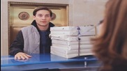 Спайдър - Мен 2 / Питър Паркър доставя пици