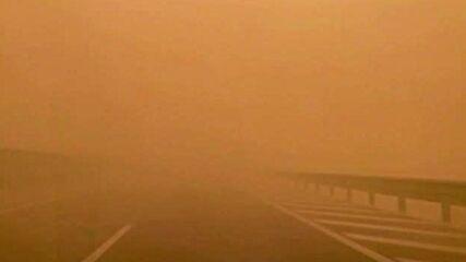 Мощна пясъчна буря в Китай