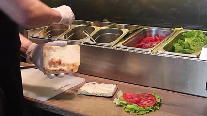 Клуб сандвич с бекон и пилешко