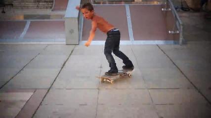 Малки скейт машини от Самоков