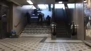 Страхотна идея и начин да накараш хората да изберат стълбите а не ескалатора
