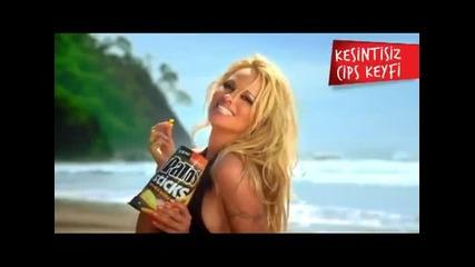 Секси реклама с Pamela Anderson ...