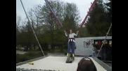17.04.2010г Габи Желязова - 9 год.в гр.троян скача на бънджи
