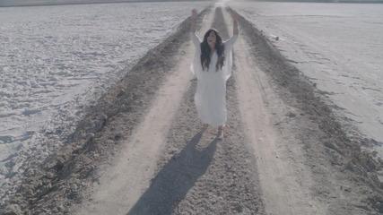 Много силна песен ! Demi Lovato - Skyscraper ( Official Hd video ) + Превод + Текст