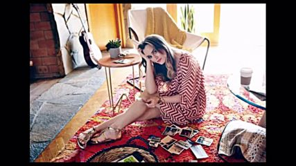 Leighton Meester - Girl, why those feet cold?