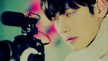 Jung Hoo Young Shin Right Here (healer)